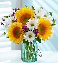 Sunflowers always put a smile on my face. ( coach coach coach ) --► http://bit.ly/Ips7hH