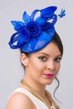 This vintage-inspired fascinator is as timeless as a fairytale. let your personality add life to its floral center and ribbon loop accents. Royal Blue Fascinator, Fascinator Headband, Fascinator Hairstyles, Hair Fascinators, Flapper Headpiece, Facinator Hats, Sinamay Hats, Millinery Hats, British Hats