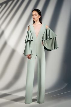 Jump into That Jumpsuit! Girl Fashion, Fashion Show, Fashion Dresses, Womens Fashion, Fashion Design, Fashion Trends, Fashion Spring, Classy Outfits, Fall Outfits