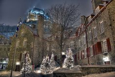 The historic Chevalier House (ou La Maison historique Chevalier) in Quebec 15 Surreal Places That Prove Canada Is A Breathtaking Country Beautiful Places To Visit, Great Places, Places To See, North America Continent, East Coast Road Trip, Atlantic Canada, Belle Villa, Grand Homes, Arquitetura