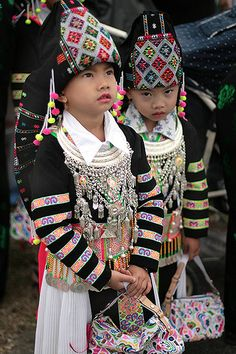 Striped Hmong is a subgroup of White Hmong