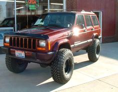 2000 Jeep Cherokee Sport ... Big tires