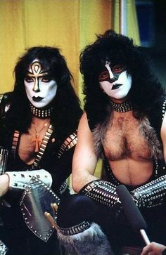 Vinnie Vincent and Eric Carr - Kiss-1982................