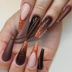 A correctly chosen shade and design are important when you are playing around with coffin nail art. It happens that we know everything about that and we are going to share with you all our knowledge on the best shades to compliment your nails. Fall Acrylic Nails, Autumn Nails, Fall Nail Art, Elegant Nail Designs, Beautiful Nail Designs, Nail Art Designs, Fabulous Nails, Gorgeous Nails, Pretty Nails