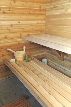 Making decent sauna benches require clear cedar stock. material is solid. This design allows breathing. Sauna Design, Design Design, Interior Design, Building A Sauna, Indoor Sauna, Traditional Saunas, Portable Sauna, Finnish Sauna, Backyard Buildings