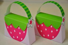 This berry delightful purse favor box is sure to be a hit at your Strawberry Shortcake / Rosita Fresita themed birthday party!