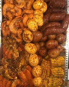 Shrimp, crab, corn on the cob, boiled eggs, and potatoes. Seafood Boil Party, Seafood Boil Recipes, Seafood Dinner, Cajun Seafood Boil, Seafood Broil, Cajun Shrimp, Boiled Food, Boiled Eggs, Food Porn