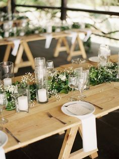 Favorite Summer Wedding Moments To Savor Modern minimalistische Hochzeit mit viel Grün und Schleierkraut The post Favorite Summer Wedding Moments To Savor appeared first on Rustikal ideen. Candle Wedding Centerpieces, Wedding Table Decorations, Decoration Table, Decor Wedding, Wedding Venues, Wedding Ideas, Wedding Tables, Budget Wedding, Farm Wedding