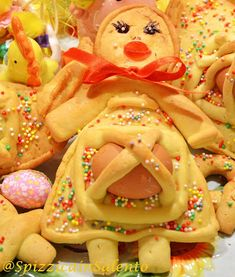 Hobbies In Retirement Key: 5928061445 Mini Desserts, Italian Desserts, Italian Recipes, Honey Cookies, Easter Dinner, Easter Treats, French Food, Artisan Bread, Sweet Cakes