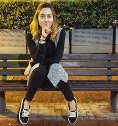 kika nieto hola pinguis Tumblr Girls, Poses, Hipster, Ideas Para, Icons, Outfits, Style, Fashion, Famous Youtubers