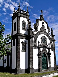 Main church - Igreja Matriz in Ponta Delgada, the Azores - Portugal. Beautiful black limestone trim on this! Azores Portugal, Visit Portugal, Spain And Portugal, Religious Architecture, Church Architecture, Beautiful Architecture, Unique Buildings, Beautiful Buildings, Beautiful Places
