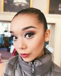 dance makeup Natasha Sheehan( tonights makeup inspiration: pennywise the clown Stage Makeup Dancer, Dance Makeup, Theatre Makeup, Ballet Hairstyles, 50s Hairstyles, Girls Makeup, 50s Makeup, Crazy Makeup, Ballet Makeup