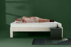 Die Komfortschicht in einer Matratze bestimmt das Liegegefühl. Bei der Entwicklung und Herstellung eines jeden Bettes gilt das größte Augenmerk dem Komfort.  Natürlich verwenden wir eine Qualität, die Auping würdig ist, und bieten wir verschiedene Zusammensetzungen aus synthetischem und natürlichem Latex. Komfort, Latex, Toddler Bed, Furniture, Home Decor, Mattresses, Pool Chairs, Bed, Child Bed
