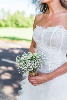 Credit: Raisa Zwart Fotografie - bruid, huwelijk (ritueel), hoofddeksel, vrouw, bruids, buitenshuis, huwelijk (burgerlijke staat), bloemstuk, volk, natuur, bruidegom, bloem (plant), meisje, jurk, liefde, volwassen, zomer, betrokkenheid, mooi, portret