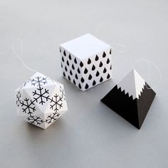 Template for these paper Christmas Decorations with a modern flair by minieco, featured @printabledecor1