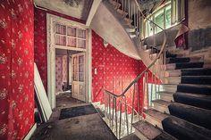 Las fascinantes fotografías de edificios abandonados por Matthias Haker