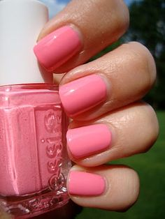 Essie Knockout Pout - Ohhhhh, and then a little darker pink. Loooovvvee!