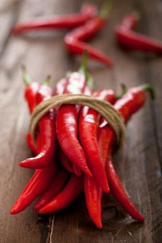 My favourite ingredients - Red Hot Chili Peppers, add the seeds to olive oil for cooking your food in to add a warm, spicy depth. Chile Picante, I See Red, Cayenne Peppers, Red Peppers, Simply Red, Red Chili, Red Aesthetic, Stuffed Hot Peppers, Shades Of Red