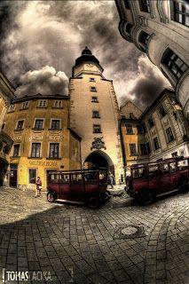 ze by sa zmrakalo nad mojou Bratislavou? Bratislava Slovakia, Russia, Cities, Wanderlust, Europe, Clouds, World, Outdoor, Outdoors