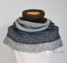 Knitted capelet cowl shoulderwarmer grey gray with by Berniolie