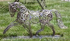 Equine topiary and sculpture - Sculptural Metal