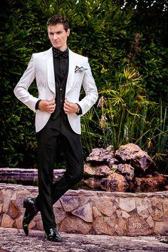 Italian black and white wedding suit  groom  tuxedo  bicolor  blacktie   luxury. Traje De Gala HombreTrajes ... 0494048d15f