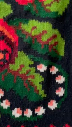 Beautiful kilim rug with big roses, amazing colors and excuisite floral design, made by hand from wool, tinted using traditional methods in Moldova, Romania. It is in perfect conditions as in the pictures, never been used. Wool Carpet, Rugs On Carpet, Vintage Rugs, Vintage Items, Moldova, Winter Night, Handmade Items, Handmade Gifts, Rug Making