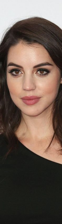 Adelaide Kane love  her makeup!!!!!!!