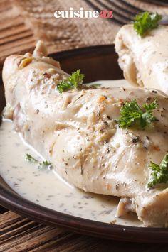 Le lapin à la sauce roquefort est un plat facile à cuisiner. #recette#cuisine#lapin#fromage #roquefort Brie, Parmesan, Sauce, Charcuterie, Rabbits, Cooking Food, Home, Parmigiano Reggiano