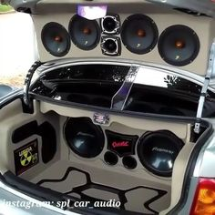 audio video Most of drivers looking for the best shallow mount subwoofer for their car audio sound system. If you have a car, truck, sport car or others conveyance vehicles, we have an roc Custom Trucks, Custom Cars, Vw Pointer, Rs6 Audi, Car Stereo Speakers, Custom Car Audio, Car Audio Installation, Subwoofer Box Design, Custom Car Interior