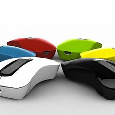 A European firm is raising funds on Kickstarter to pack smartphone-like features in a computer mouse, which carries your digital identities across devices.