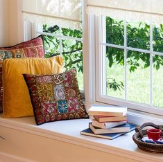 Where's your favorite reading nook - is by a window seat in your home? Feng Shui Tips, Reading Nook, Coffee Reading, Home Improvement Projects, Home Decor Items, Windows And Doors, Hygge, Home Buying, Clean House