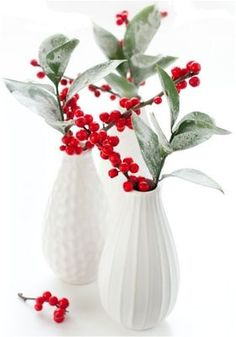 Red Berries in White Vases - 5 Quick Christmas Decorations