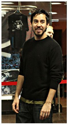 MIKE SHINODA U have lovely hands sir, can I just hold them for a while?