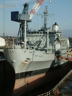 jcsmarinenews:  New Post has been published on http://www.alljc.co/2016/04/21/rfa-fort-austin/  RFA FORT AUSTIN RFA Fort Austin is a British Fort Rosalie-class dry stores ship of the Royal Fleet Auxiliary.Fort Austin was laid down at Scott Lithgow in 1975, launched in 1978 and commissioned in 1979. These ships were designed to carry a wide range of dry stores to support fleet task forces; ammunition,…