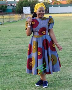 Flashback Friday with the beautiful . The spiritual impact this woman had in my life is immeasurable. Keep on touching… Latest African Fashion Dresses, African Dresses For Women, African Print Dresses, African Print Fashion, Xhosa Attire, African Attire, African Outfits, African Fashion Traditional, Shweshwe Dresses