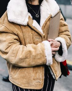 Pinterest: DEBORAHPRAHA ♥️ winter cozy coat #winter #outfits