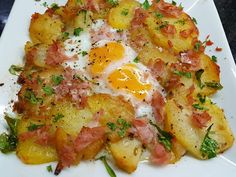 PATATAS A LO POBRE GRATINADAS CON HUEVOS Y JAMÓN COCIDO CBF@ Kitchen Recipes, Diet Recipes, Cooking Recipes, Healthy Recipes, Savory Breakfast, Breakfast Recipes, My Favorite Food, Favorite Recipes, How To Cook Ham
