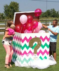 gender reveal ideas for party Gender Reveal Box, Gender Reveal Themes, Gender Reveal Balloons, Gender Reveal Announcement, Gender Party, Baby Gender Reveal Party, Idee Baby Shower, Baby On The Way, Just In Case