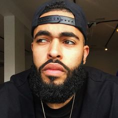 for daily pins Just Beautiful Men, Gorgeous Black Men, Black Men Beards, Handsome Black Men, Black Men Hairstyles, Men's Hairstyles, Eye Candy Men, Man Candy, Beard Game