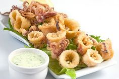 fried with homemade Greek sauce Deep Fried Calamari, Calamari Squid, Greek Sauce, Mayonnaise, Greek Appetizers, Tapas, Eastern Cuisine, Herd, Mediterranean Recipes