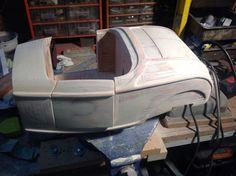 Ponçage et finition maquette de carrosserie Ford 32 hot Rod