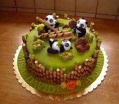 1001 ideas for choosing the best cake for kids cake decorating recipes kuchen kindergeburtstag cakes ideas Panda Bear Cake, Panda Cakes, Bear Cakes, Pretty Cakes, Cute Cakes, Crazy Cakes, Novelty Cakes, Creative Cakes, Celebration Cakes