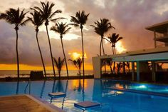RIU hotel Sri Lanka review - swimming pool sunset