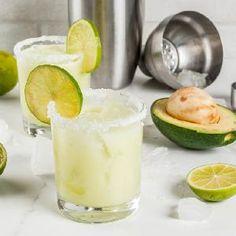 Kartacze podlaskie: przepis Małgorzaty Raduchy [LATO Z RADIEM] - Beszamel.se.pl Guacamole, White Marble Kitchen, Alcoholic Cocktails, Thing 1, Cocktail Recipes, Margarita, Rum, Avocado, Salt