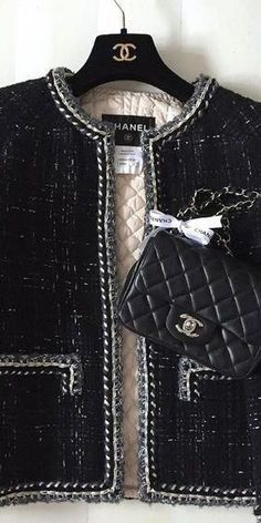 - Chanel Dresses - Trending Chanel Dress for sales - Chanel Outfit, Chanel Dress, Chanel Makeup, Chanel Fashion, Chanel Boy Bag, Chanel Bags, Chanel Couture, Vintage Chanel, Style Kanye West