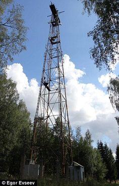 Esta estación de radio Rusa lleva emitiendo un zumbido desde hace cuatro décadas Cada pocos meses, es interrumpido por una voz que retransmite un mensaje cifrado Pero nadie sabe el propósito exacto...