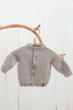 Hand knitted organic newborn cardigan by GeraBloga on Etsy