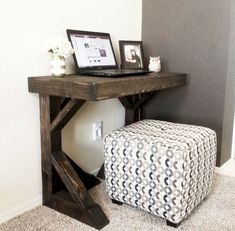 Adorable 40 Easy DIY Farmhouse Desk Decor Ideas On A Budget https://roomadness.com/2017/11/25/40-easy-diy-farmhouse-desk-decor-ideas-budget/