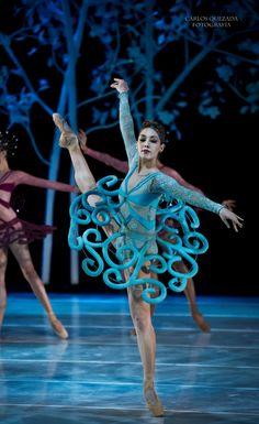 """""""A Midsummer Night´s Dream"""", Compañía Nacional de Danza de México - National Dance Company of Mexico Source and more info at: Photographer Carlos Quezada on Tumblr Photographer Carlos Quezada on Fa..."""